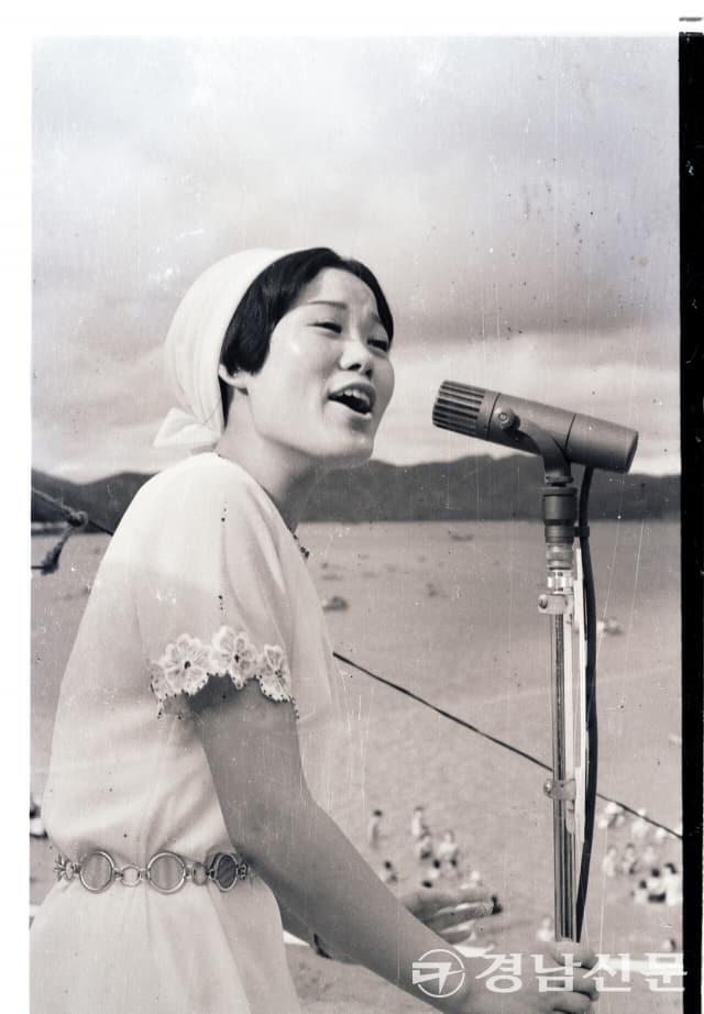 1970년대 초반 KBC방송국이 개최한 것으로 추정되는 공개방송 사진