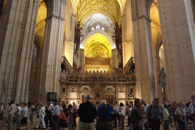 세비야 대성당 내부. 100년 동안 건축돼 당시 유행했던 다양한 건축양식이 적용돼 있다.