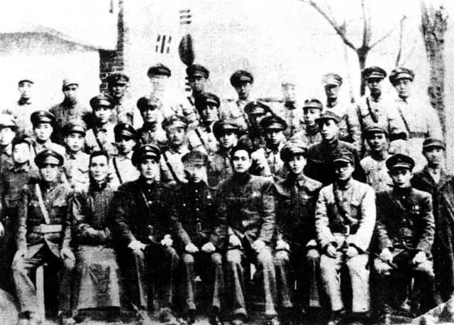 광복군 제1지대원들. 조선의용대는 광복군에 편입되면서 광복군 제1지대로 편제됐다.