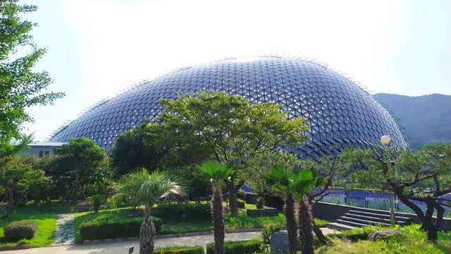 열대 정글을 재현해 놓은 거제 정글돔 외관. /거제시/
