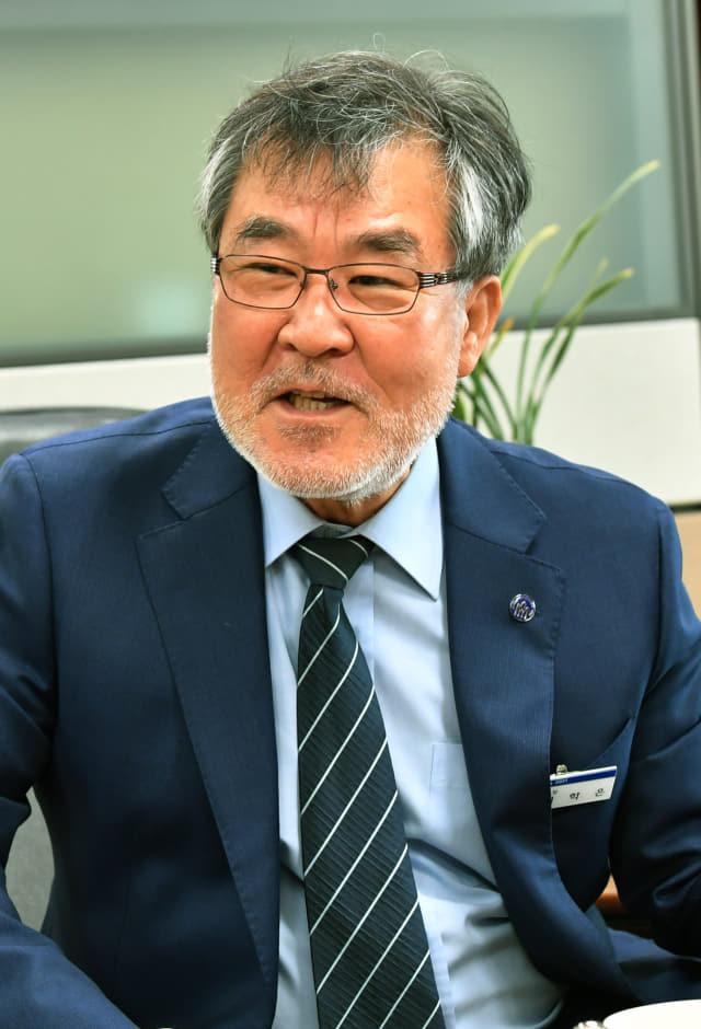 이학은 마산대학교 8대 총장이 학교 비전에 대해 이야기 하고 있다./전강용 기자/