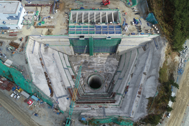 고성하이발전 1·2호기 냉각수 취수펌프장의 모습-허충호