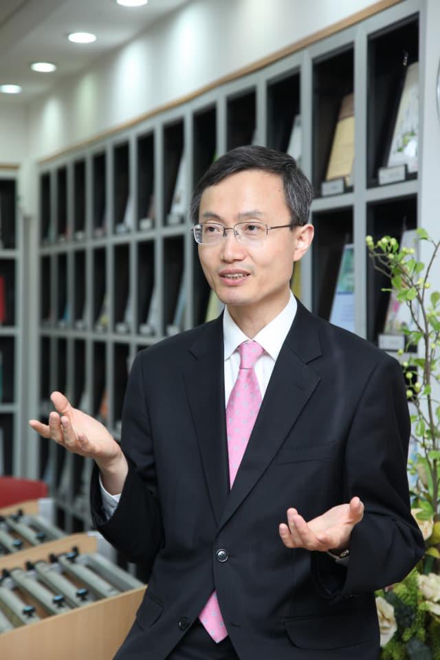 홍진기 산업연구원 선임연구위원