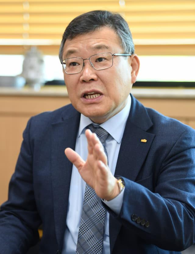 이정환 재료연구소장이 한국재료연구원의 역할과 책임에 대해 이야기하고 있다./김승권 기자/
