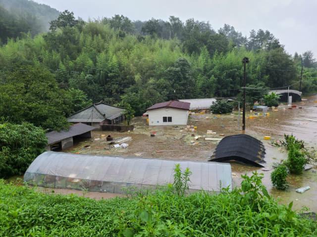 사천 축동면 가산리 용수마을.