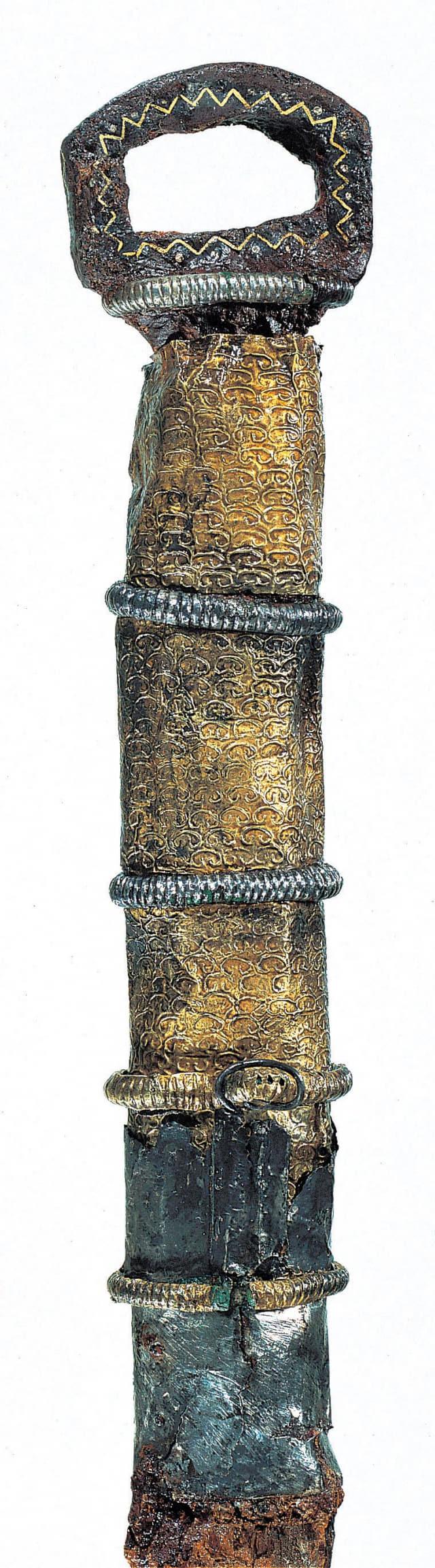 함안 말이산 고분군 마갑총 출토 둥근고리큰칼