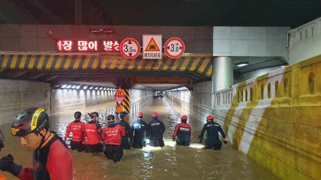 지난해 침수돼 3명이 목숨을 잃은 부산 동구 초량 지하차도. 재난 주관방송사인 KBS는 새벽이 되어서야 재난 특보를 송출했다./부산경찰청/