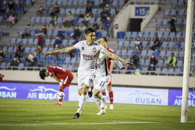 지난 5일 구덕운동장에서 열린 부산아이파크와의 경기에서 경남의 윌리안이 결승골을 넣은 후 환호하고 있다./경남FC/