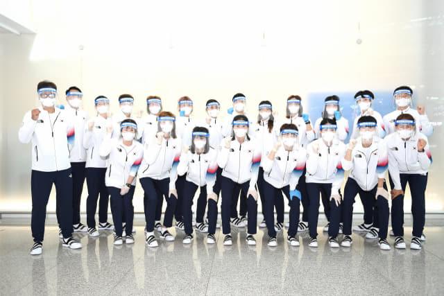 도쿄올림픽 출전을 위해 21일 출국한 여자핸드볼 국가대표팀./대한핸드볼협회/