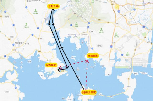 합포해전 상황도. 검은선은 해전지의 위치를 마산합포로 설정했을 때, 빨간선은 진해 학개로 설정했을 때의 이순신 장군 함대의 왜선 추격 경로./이순신전략연구소/