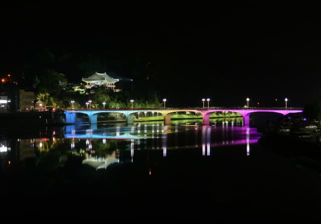 밀양 영남루 야경